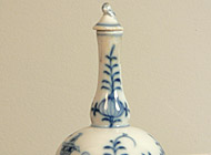 Meissen Porcelain - Hand-painted perfume bottle